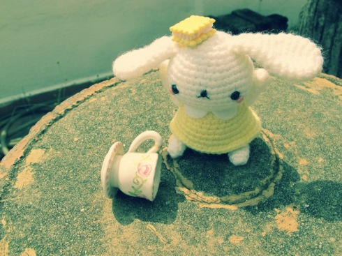 yellow bunny amigurumei crochet