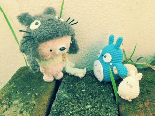 blue white grey totoro amigurumei crochet fuzzy ghibli
