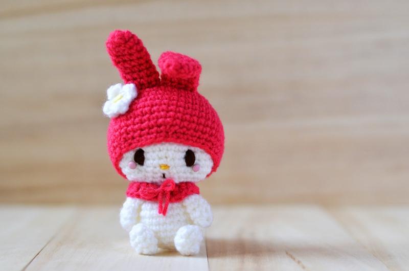 Miniature amigurumi Hello Kitty keychain (free crochet pattern ... | 530x800
