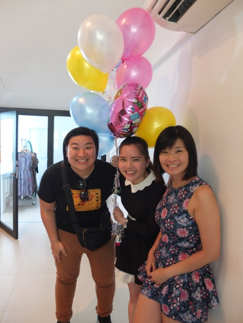 And a few selfies before we go. My besties Pey (L) and Huey Yi and Fei (below) who surprised me with some Strawberry Shortcake Hello Kitty balloons!